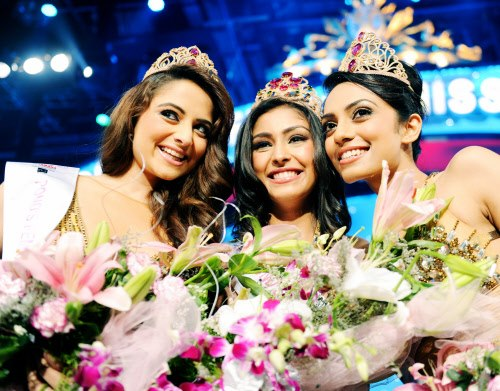 miss-india-2013-sobhita-navneet-zoya