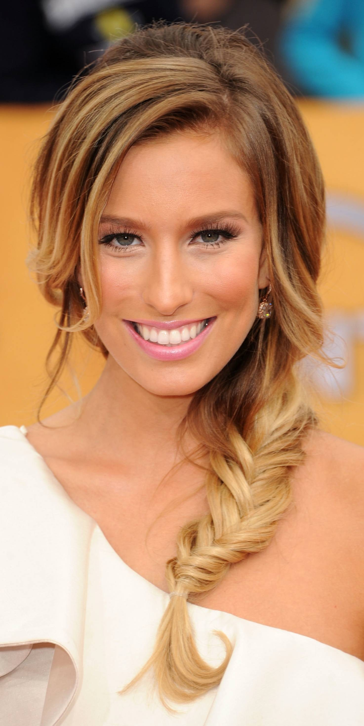 Fishtail Side Braid Hairstyle