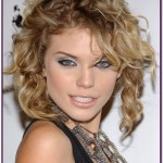 Hairstyles For Curly Frizzy Hair 17