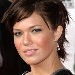 Hairstyles For Round Faces Women 5