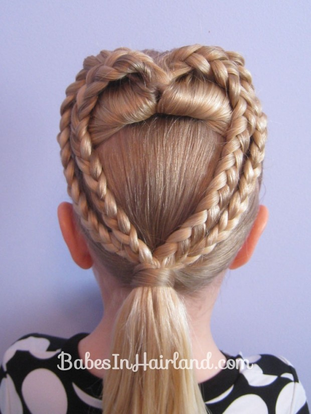 Model ComCute Little Girls Hairstyle